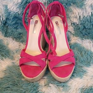 🎉Just Reduced 🎉 Bcbgeneration pink wedges